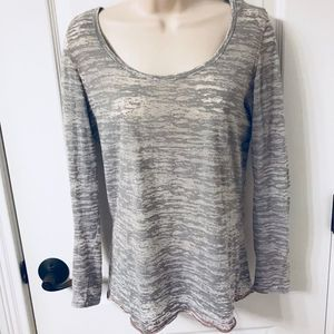Amazing Miken Flow Gray Marble Athletic Top! 🙌🏻